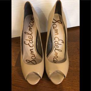 Sam Edelman 8.5 taupe patent leather shoes pumps